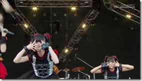 BABYMETAL_catch-me-if-you-can_17