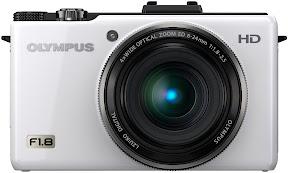 Olympus-XZ-1-White_terapixel.jpg