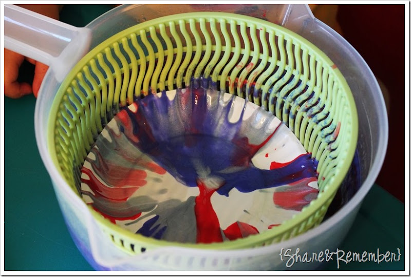 4th of July Spin Art in a salad spinner