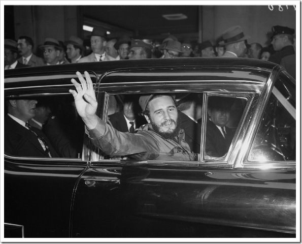fidel-castro-waves-crowds-new-york-city-1959