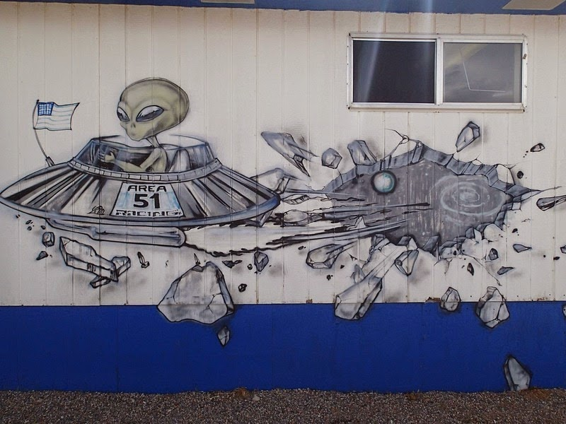 extraterrestrial-highway-3