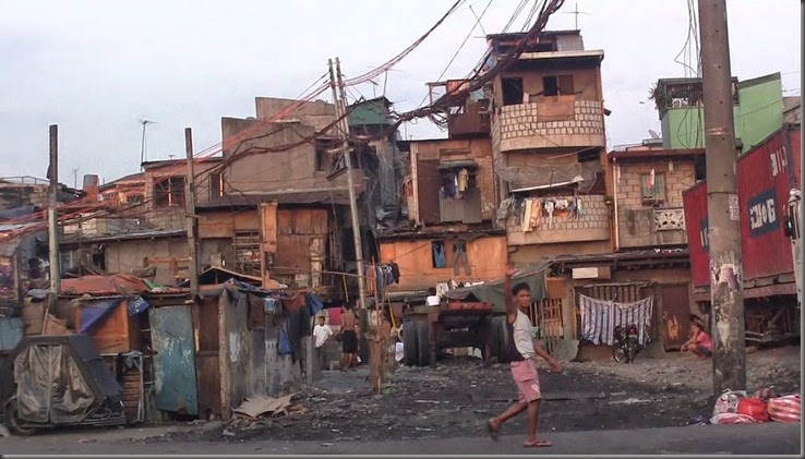 manila phillippines squatter houses slums district