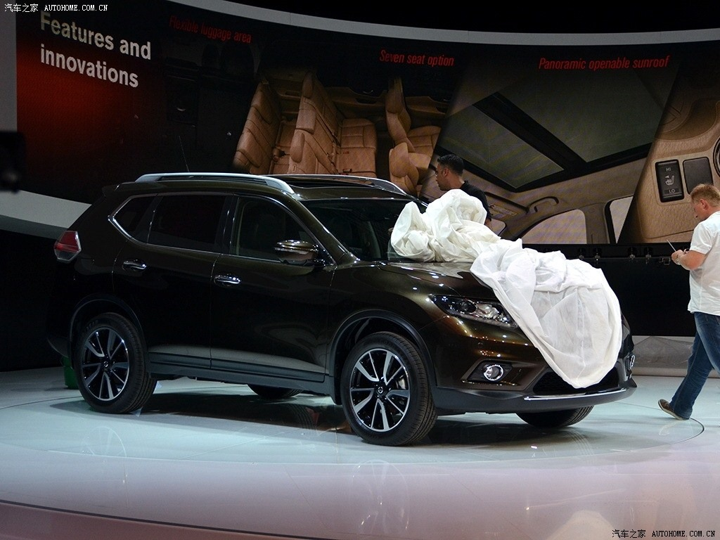 First Photos of New 2014 Nissan X-Trail and Rogue 7-Seater SUV