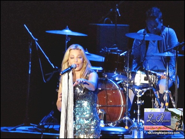 B2B Conccert at the Mall of Asia ARENA: Taylor Dayne (3)