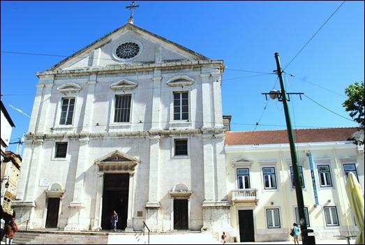 Gloria Ishizaka - Igreja de Sao Roque - exterior