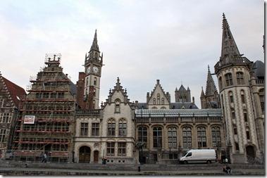 Graslei , Gent グラスレイ(河畔)には14-16世紀の壮麗なギルドハウス群が建ち並んでいる