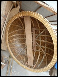 Vietnam, Phan Thiet, Making a coracle, 24 August 2012 (4)