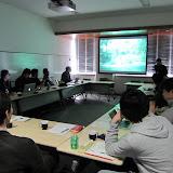 同じ調査地において各自の異なった視点に刺激を受ける。 / The members shared their unique points of views on the common research regions.