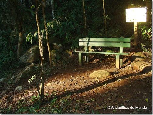 Por do Sol iluminando banquinho Ecoparque Sperry Gramado