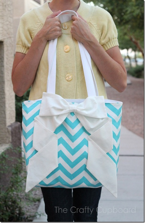 Zig Zag Bow Bag