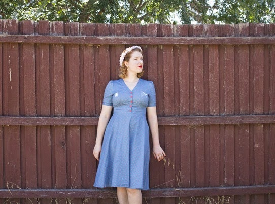 1940's style with a flower crown; love it | Lavender & Twill