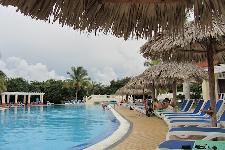 Vacanta in piscina in Cuba