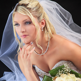 bride by Dejan Nikolic Fotograf Krusevac - Wedding Bride ( sabac, vencanje, novi sad, brides, bidermajer, svilajnac, plana, smederevo, krusevacc.pozarevac, svadba, vencanica, flowers, fotograf )