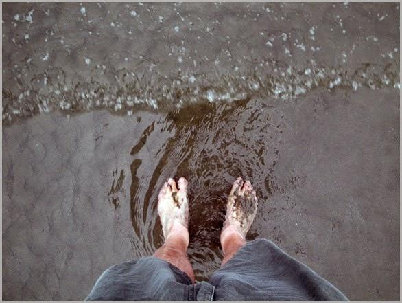 Oregon-Feet-In-Sand