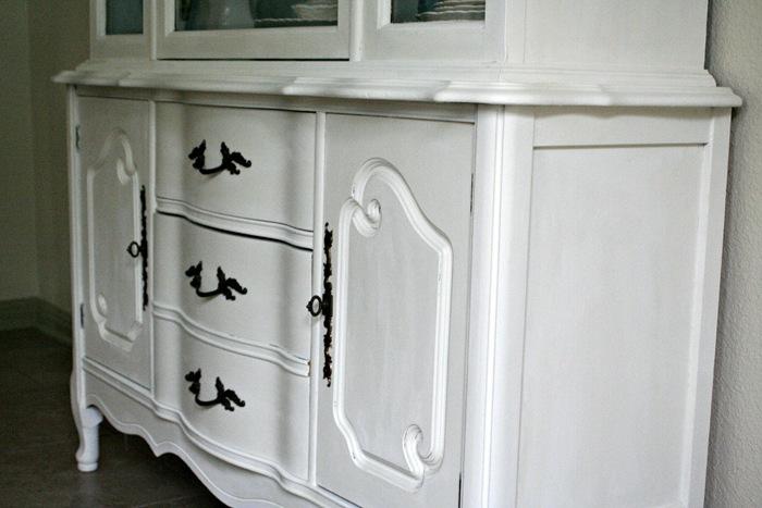 White Hutch Detail