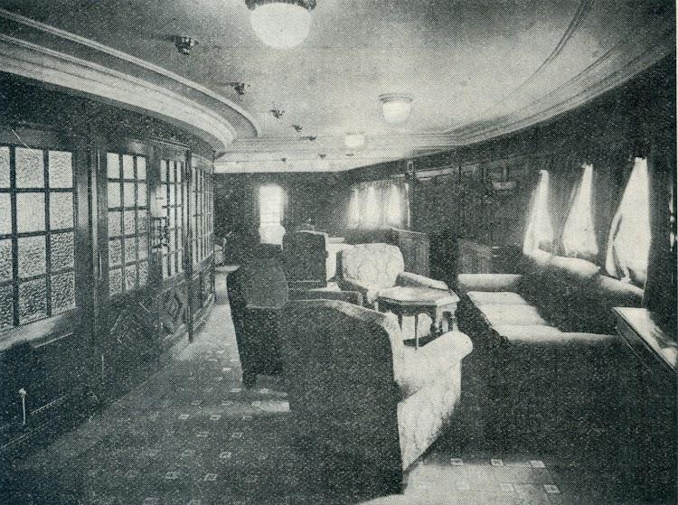 Nuevo salón fumador. Foto de la revista INGENIERIA NAVAL. AÑO XI. NUM 95. Mayo 1943.jpg