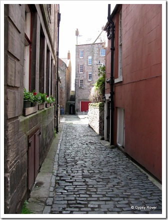 Cobbled alleyways remnants of horse and cart days. L S Lowry painted this scene which has since changed.