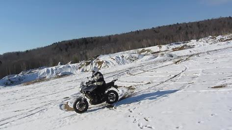 versys-heidenau-neige