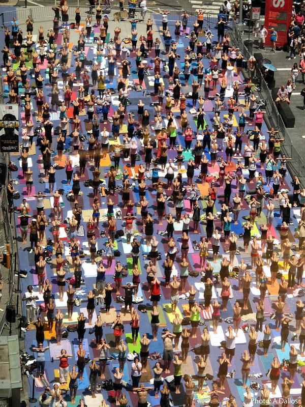times-square-yoga-2