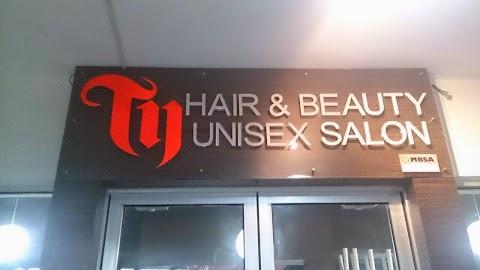 Berdeting di Salon Rambut