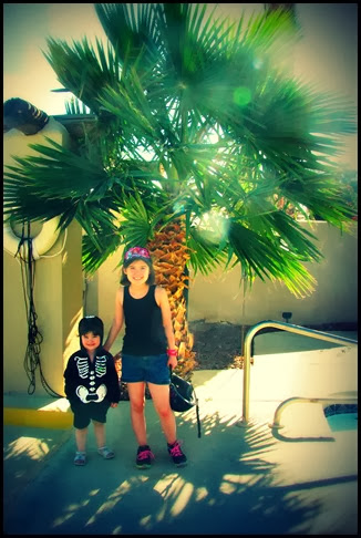 girls short palm tree