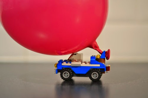 Balloon powered Lego car from Science Sparks