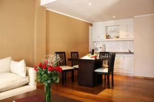 Mansion Junin Hostel & Suites