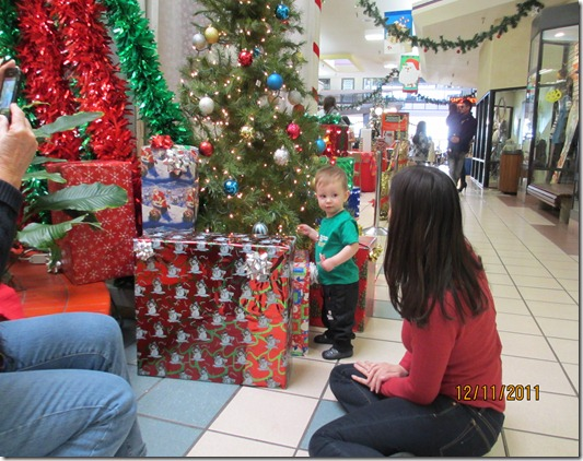 12 11 11 - Visit with Santa (3)