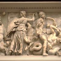 09.- Altar de Zeus. Pérgamo. Gigantomaquia