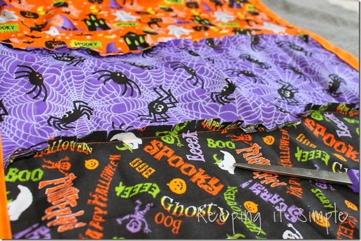 Halloween rag table runner (6)