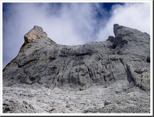 Via Directa de Los Martinez 250m D- V- (Picu Urriellu, Picos de Europa) (Isra) 1155