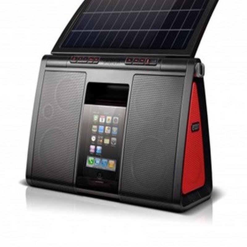 Amplificador con panel solar puede reproducir hasta 5 horas de música sin cargar