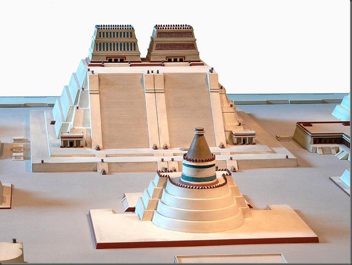 800px-Rekonstruktion_Tempelbezirk_von_Tenochtitlan_2_Templo_Mayor_3[1]