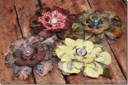 Flower pins cluster