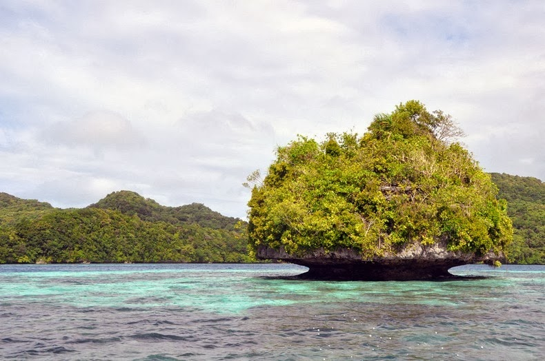 rock-islands-palau-15