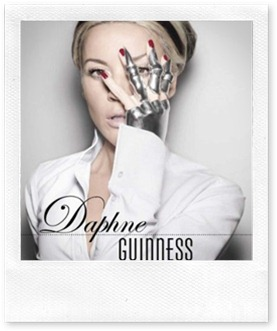 Amazon.com Daphne Guinness (9780300176636) Valerie Steele, Daphne Guinness - Mozilla Firefox 772011 85322 PM.bmp