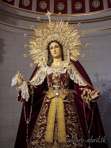 maria-santisima-del-sacromonte-vestida-para-el-mes-del-rosario-alvaro-abril-2013-(12).jpg