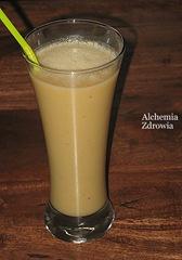 swiateczny smoothie (banan, ananas, kokos, kielki sloneczniku)