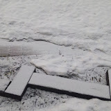 今朝も雪が積もっていました