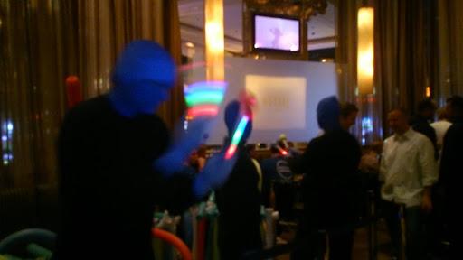 [写真]BLUECOATのパーティに現れたブルーマンの偽物