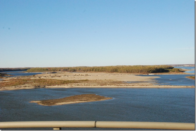 11-23-12 B Travel on I-40 - MS River 012