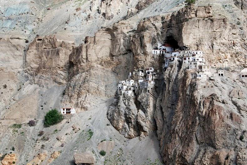 phugtal-monastery-8