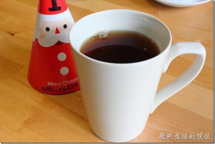 台南-PICTURESQUE早午餐。這一杯餐後飲品-伯爵紅茶。個人喝不太習慣耶!當不成貴婦的老公了,因為老婆也沒喝完。