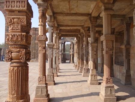 09. Coloane hindu.JPG