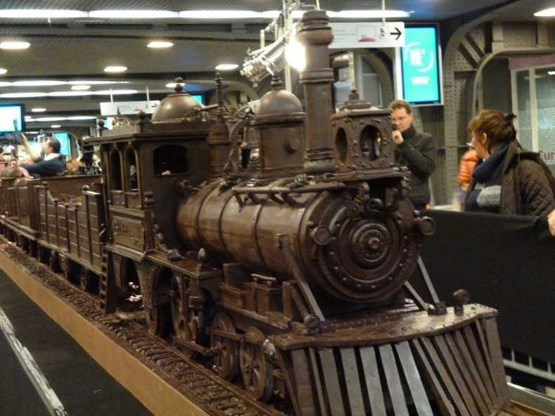 chocolate-train-2