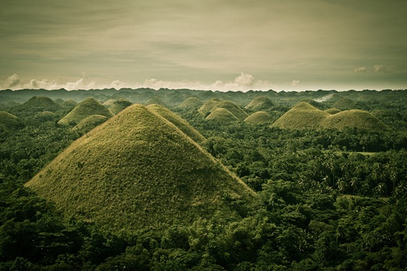 The Chocolate Hills in Philippines 01