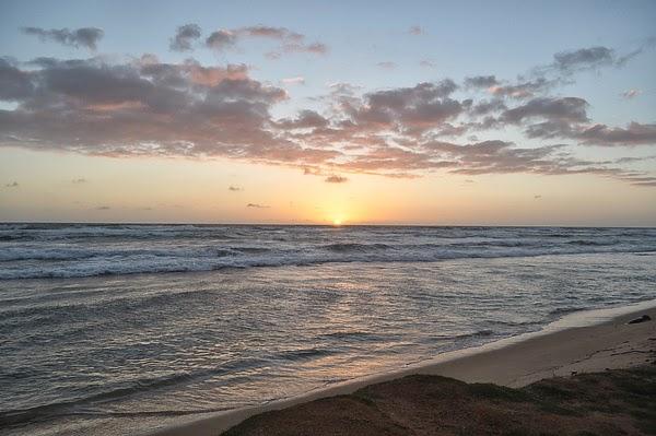 可愛島的夕陽、沙灘、海浪