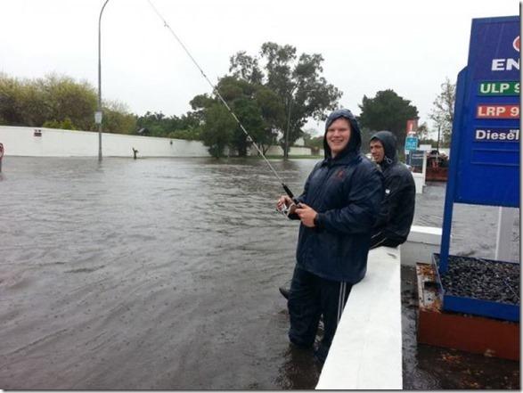 happy-flood-people-42