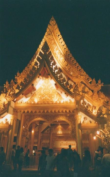 16. Restaurant la Phuket Fantasea.jpg