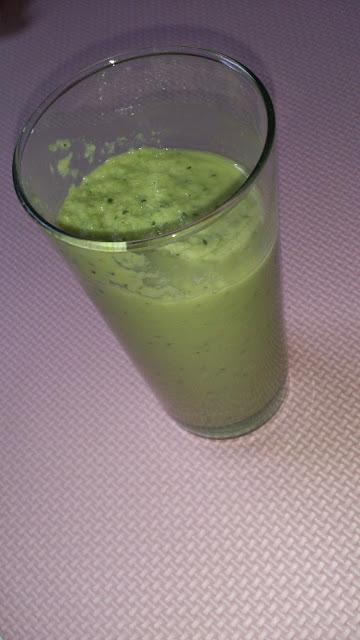 Green Juice avocat, concombre, pomme verte et Kusmi Tea BB Detox